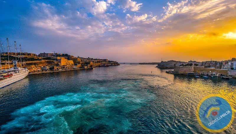Malta'ya Feribotla Gitmek